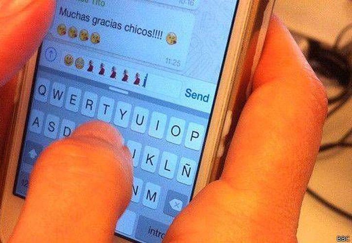 La actualización de Whatsapp más reciente permite acceder a nuevas herramientas como son las de búsqueda y llamadas. (BBCMundo)