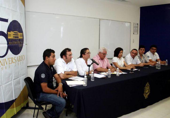 Directivos y académicos de la Facultad de Matemáticas presentaron programa de aniversario. (Milenio Novedades)