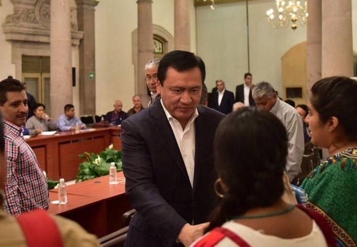 El secretario de Gobernación, Miguel Ángel Osorio Chong, se reunió por más de siete horas con integrantes de la CNTE. (Segob)
