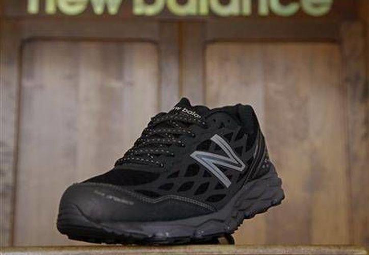 El Ejército de EU asegura que está realizando pruebas con diversos tipos de calzado deportivo. (AP)