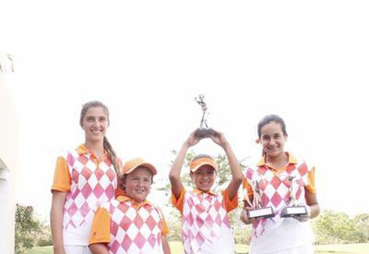 Los deportistas yucatecos destacaron en el Banorte Ixe en Nayarit. (SIPSE)
