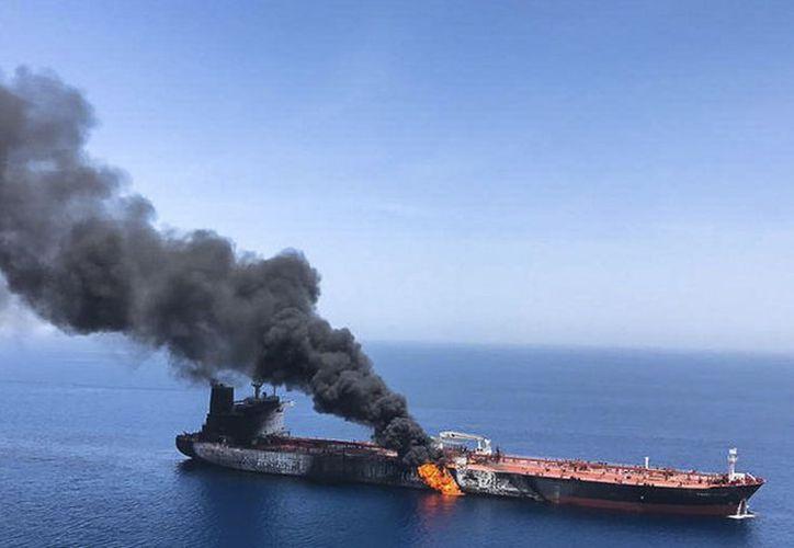 Los marinos fueron evacuados, pero la tensión en Irán crece. (ISNA / AP)