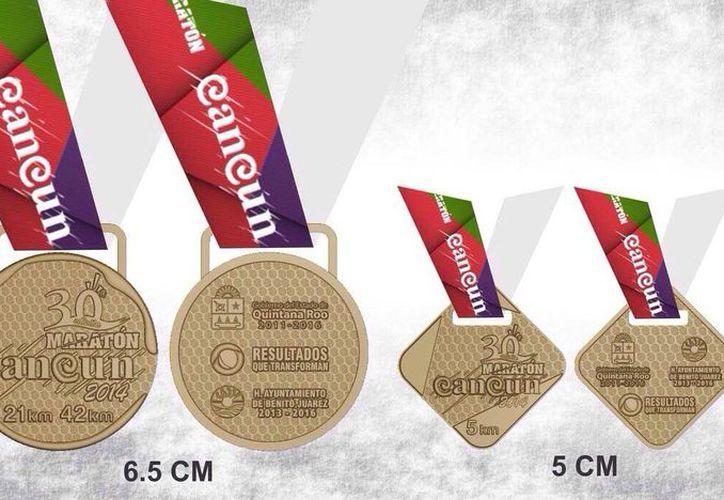 Las medallas de las carrera más largas serán circulares, mientras que para las carreras  de 5 kilómetros serán cuadradas. (Redacción/SIPSE)