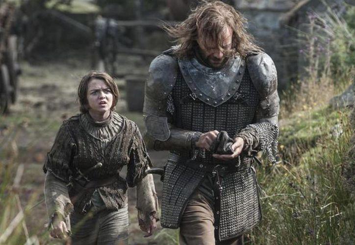 Con 24 nominaciones a los Premios Emmy, 'Game of Thrones' aspira a vencer en la categoría de mejor serie de drama, como no pudo hace un año. (huffingtonpost.com)