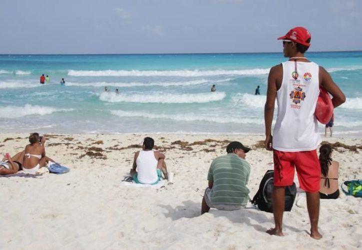 La Semar recomienda hacer caso a las recomendaciones de los guardavidas en las playas. (Archivo/SIPSE)