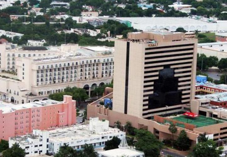 Hay un gran interés de grandes firmas hoteleras por instalarse en lo que es el Centro Histórico de la capital yucateca. (Archivo/Sipse)