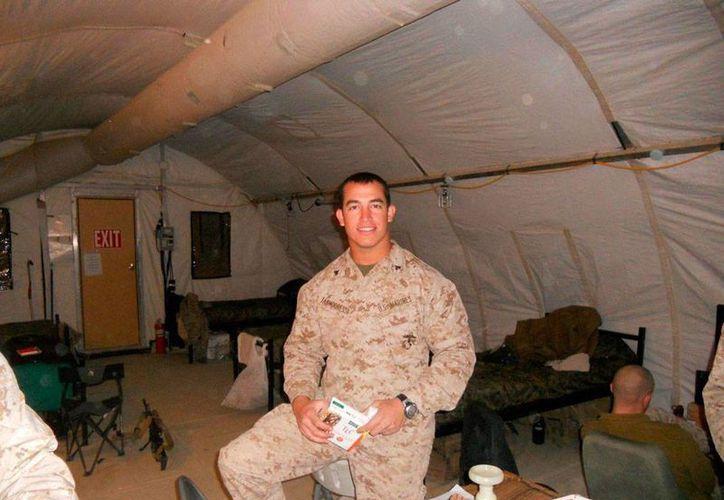 """El soldado estadounidense Andrew Tahmooressi salió libre este viernes, tras más de 200 días en una cárcel de Tijuana, acusado de portar en territorio mexicano armas de grueso calibre. (La imagen fue tomada de la página de Facebook """"Free SGT. Andrew Tahmooressi - The Marine in Mexican Jail"""")."""