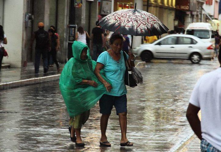 En algunos puntos de Mérida se reportaron fuertes ráfagas de viento este lunes. (SIPSE)