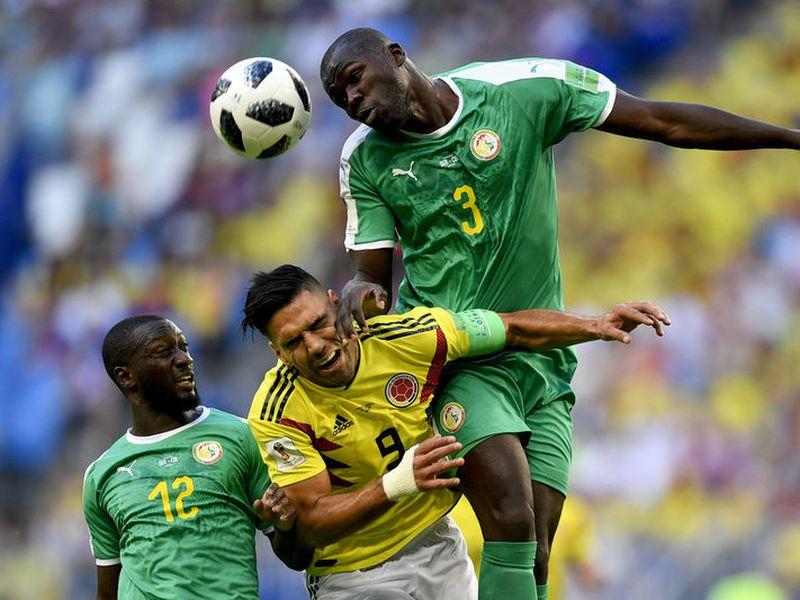 Senegal y Colombia buscan uno de los cuatro boletos que aún quedan para estar en octavos de final del Mundial (Foto AP)