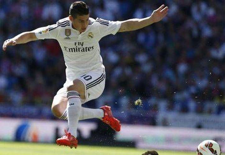 James Rodríguez tuvo una gran actuación a su regreso al Real Madrid, tras permanecer dos meses por una fractura. (EFE)