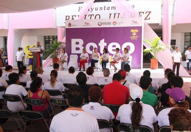 La ceremonia del inicio del boteo se realizó en la Plaza de la Reforma. (Consuelo Javier/SIPSE)