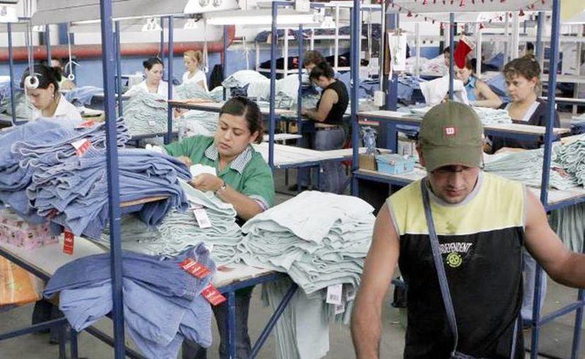 Auguran que en 2014 varias empresas liquidarán su maquinaria. (Archivo/SIPSE)