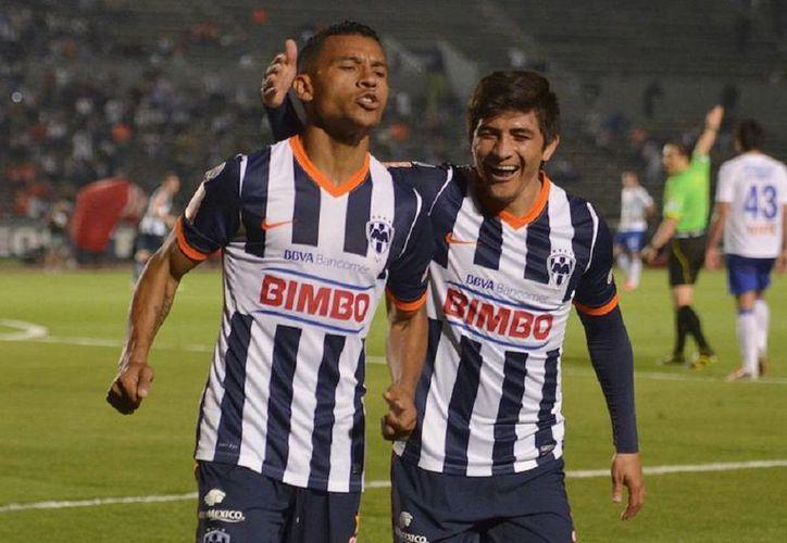 El yucateco Ulises Briceño (d) no solo ha jugado en Primera División sino también en selecciones nacionales menores. (Milenio Novedades)