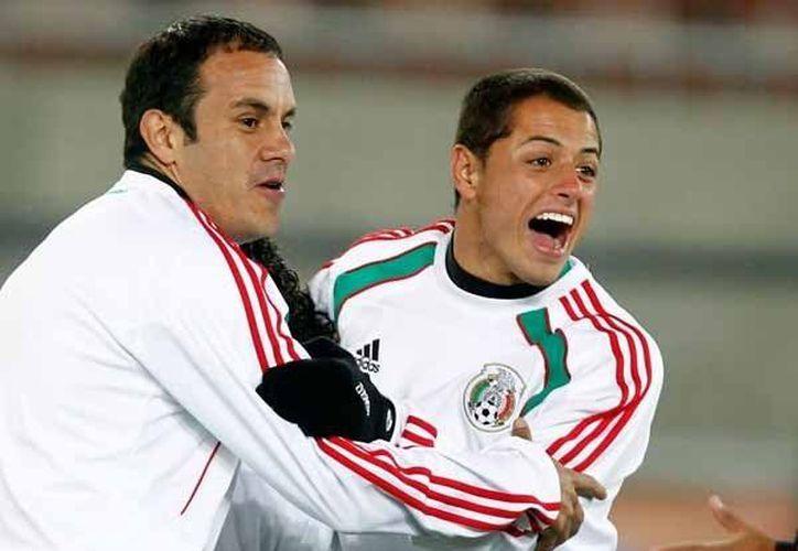 Cuauhtémoc Blanco le dijo a Diego Luna y Jesús Ochoa que  gustaría se hiciera una película sobre su vida. (Agencias)