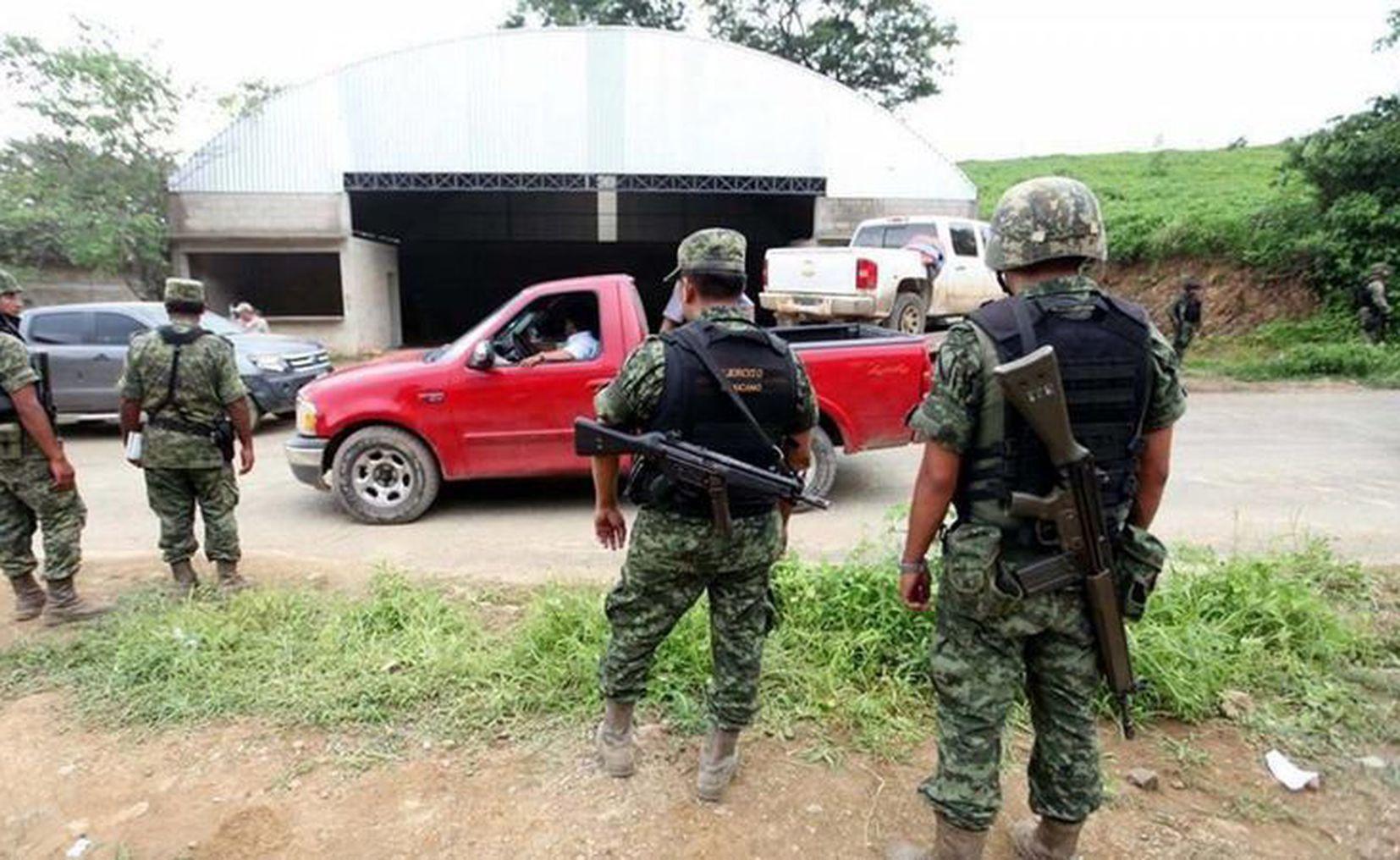México | Abogado de los militares implicados en el caso Tlatlaya afirma que  los testigos mintieron