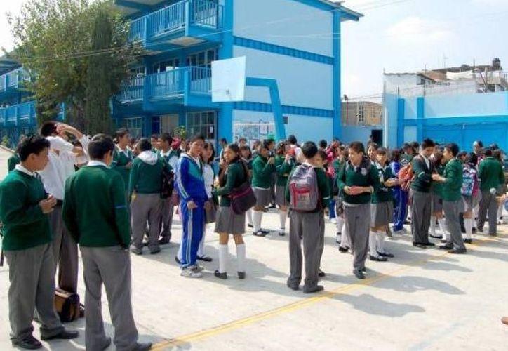 Han revisado cuatro mil 675 escuelas, de un total de nueve mil 500 planteles, públicos y privados con lo que cuenta la ciudad. (SIPSE)
