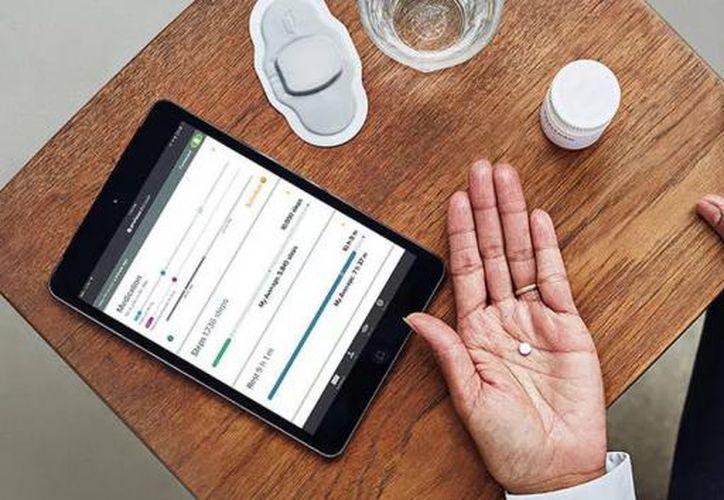 Los pacientes también pueden hacer que sus médicos accedan a este sistema a través de una página de internet. (Contexto)