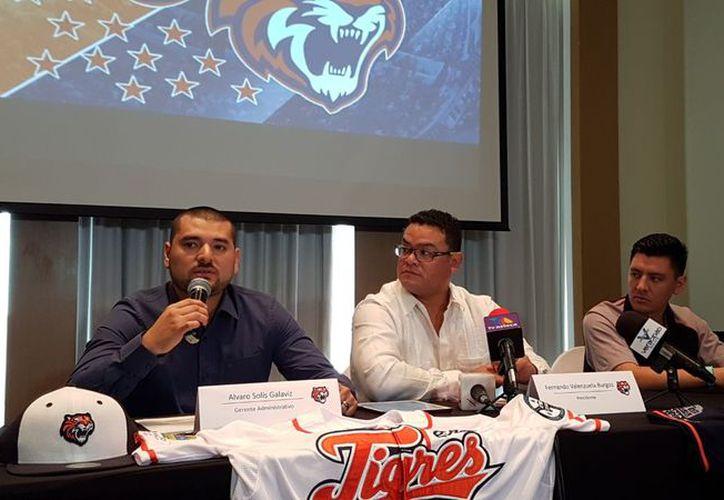 Fernando Valenzuela Burgos, presidente de los Tigres, dio detalles de la pretemporada del equipo. (Raúl Caballero/SIPSE)