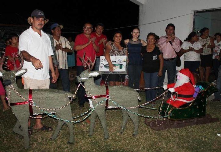 Los ganadores de los primeros lugares fueron: Alessandro Avilés Darza; Laysha Yanara Jiménez y Manuela de Jesús Darza. (Redacción/SIPSE)