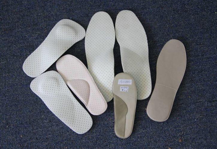 Es necesario un tratamiento con calzado ortopédico que ayude a tener una marcha correcta y dar apoyo a los músculos y ligamentos del pie. (Tomás Álvarez/SIPSE)