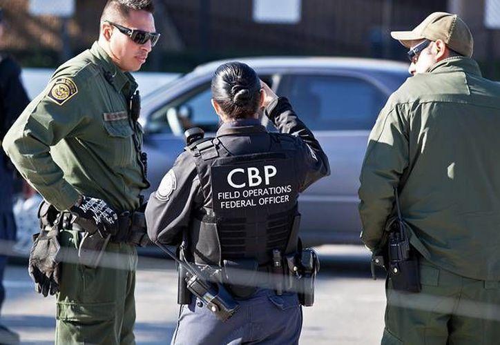 La joven de 23 años fue detenida por Agentes de Aduana y Protección Fronteriza.  (excelsior.com.mx)