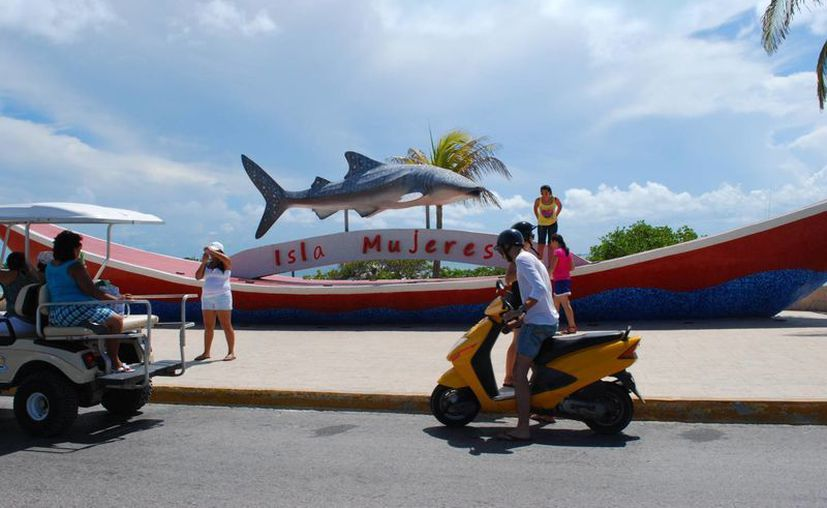 El pasado 20 de marzo, Isla Mujeres, recibió la visita técnica del grupo de evaluación de Pueblos Mágicos. (Tomás Álvarez/SIPSE)