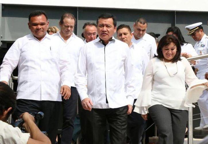 Miguel Ángel Osorio Chong, encabezó la inauguración del nuevo edificio que albergará las oficinas del Centro de Instituciones Operadoras del Sistema Penal Oral y Acusatorio (Ciospoa), en el sur de Mérida. (Milenio Novedades)
