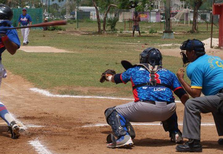 Marlins, otro de los favoritos, superaron de forma inobjetable a los Guerreros en Playa del Carmen. (Ángel Villegas/SIPSE)