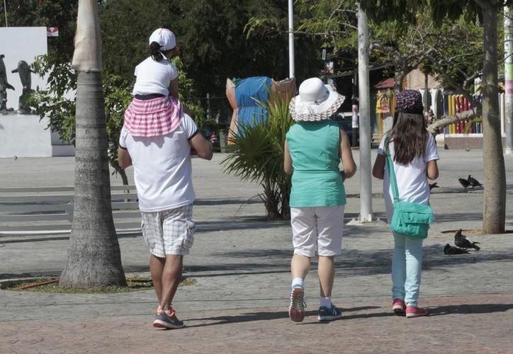Los niños que son criados por ambos padres al crecer y formar una familia disminuye el riesgo a divorciarse. (Tomás Álvarez/SIPSE)
