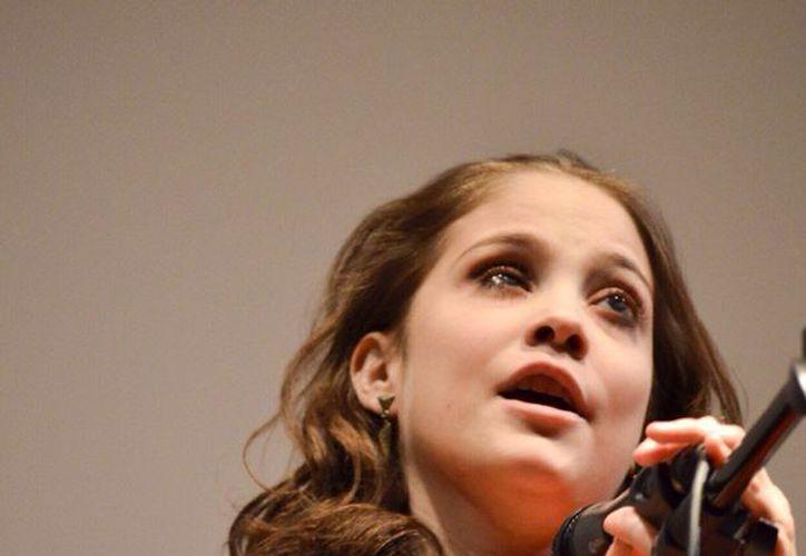 Una enfermedad autoinmune le quitó la vista a la joven. (Jocelyn Díaz/SIPSE)