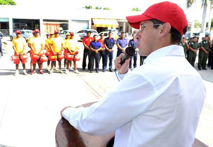 Anuncian que se reforzará el cuerpo de Guardavidas con elementos de bomberos. (Cortesía/SIPSE)