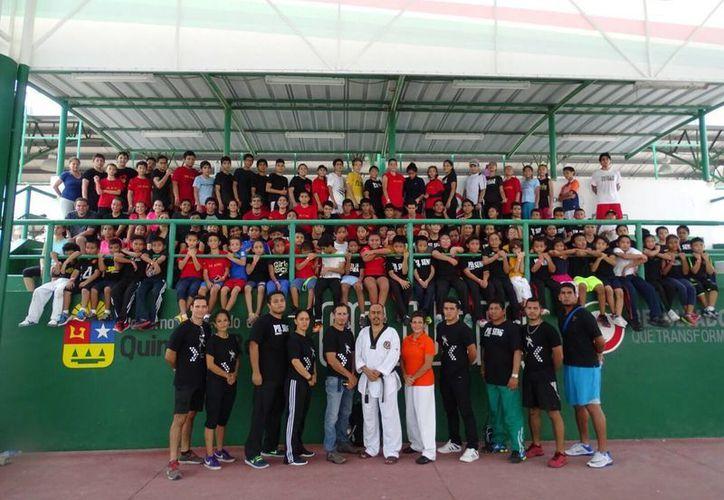 Las actividades se desarrollaron en el Centro Estatal Deportivo de Alto Rendimiento. (Raúl Caballero/SIPSE)