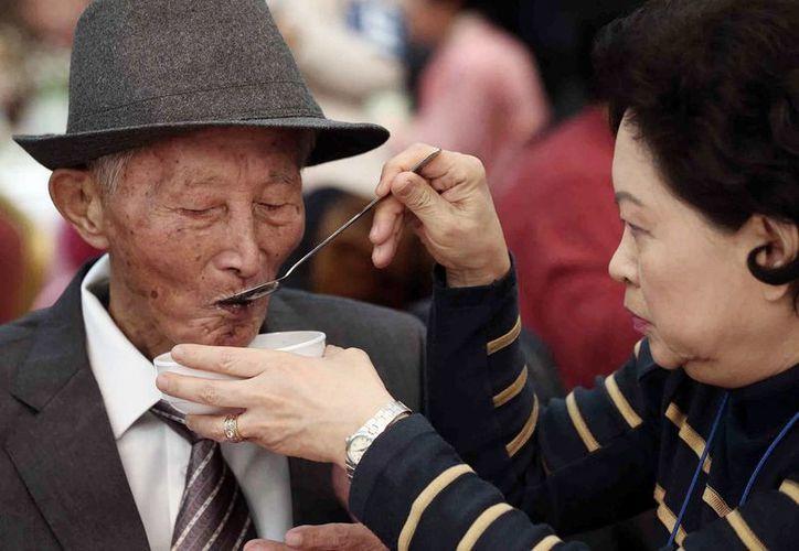 Los encuentros familiares son una señal de que las relaciones entre ambas Coreas están mejorando. (Agencias)