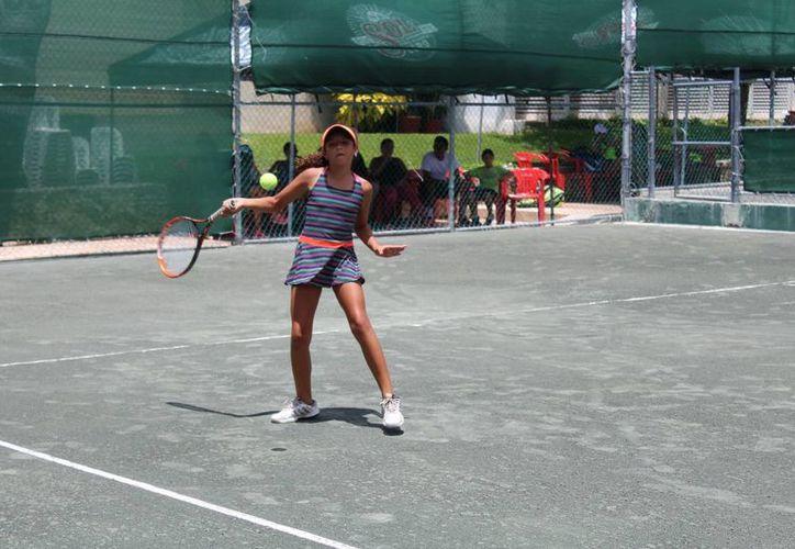 El campeonato se realiza en diferentes categorías. (Raúl Caballero/SIPSE)