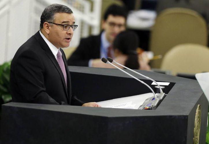 Mauricio Funes, quien gobernó El Salvador hasta 2014, dijo que la Corte Suprema de su país intentó atacar su gestión en reiteradas ocasiones. (AP)