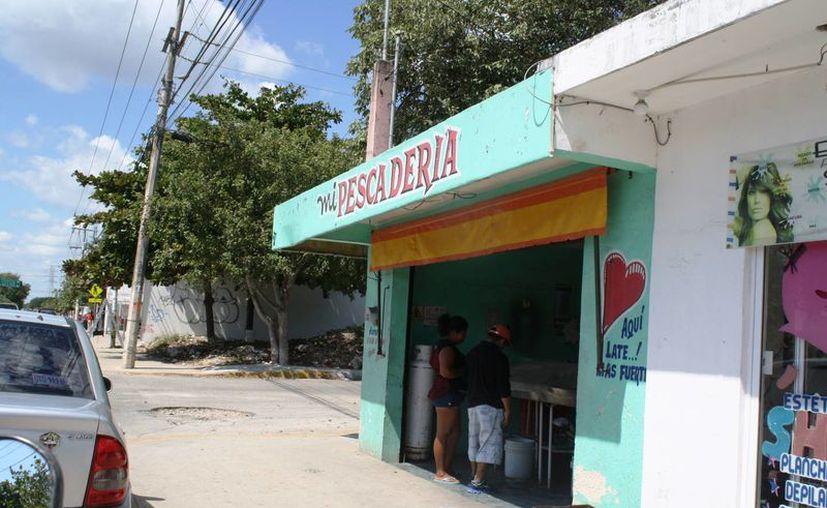 En las próximas semanas iniciarán las verificaciones en expendios de mariscos y pescados, incluyendo a los restaurantes. (Octavio Martínez/SIPSE)