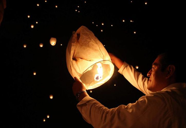El evento de globos está programado para el próximo domingo, a las 18:00 horas en la explanada del Coliseo Yucatán.(Milenio Novedades)