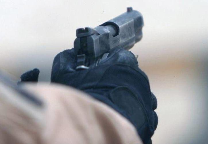 Javier Garza Lagüera dijo que su hermano Ricardo disparó al piso y la bala, de rebote, lo hirió. (Archivo)