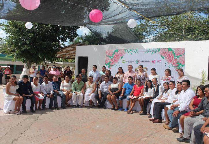 El evento fue encabezado por el presidente municipal, Emilio Jiménez Ancona. (Raúl Balam/SIPSE)