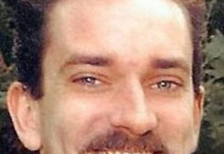 Kirk Alexander sobrevivió a un infarto gracias a que los trabajadores del Domino's Pizza que frecuentaba se preocuparon por él. (Excélsior)