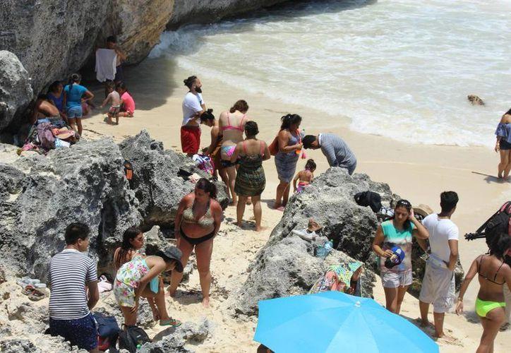 Los guías de turistas anticipan que septiembre será de temporada baja en general. (Sara Cauich/SIPSE)