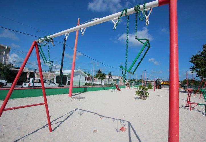 A finales de agosto iniciarán las labores de mantenimiento de los 38 parques públicos que hay en la isla. (Gustavo Villegas/SIPSE)