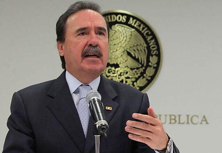 El senador Emilio Gamboa Patrón dio un voto de confianza a Carlos Sobrino, candidato único a la dirigencia del Comité Directivo Estatal (CDE) del PRI Yucatán. (Milenio Novedades)