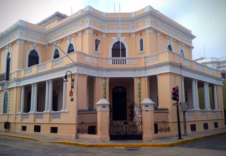 La dirección central de la UNAM decidió mantener cerradas las instalaciones de la sede 'Dragones', ubicada en la calle 61 entre 52 y 54, mientras evalúa la estructura. (Milenio Novedades)