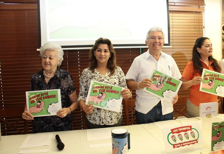 Imagen de la presentación de la colecta anual por parte de la asociación 'Construyendo sonrisas'. (Milenio Novedades)