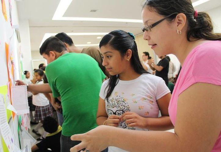 Estudiantes de la Licenciatura en Idioma Inglés de la Uady están apoyando el proyecto artístico-cultural 'Storytelling'. (Cortesía)