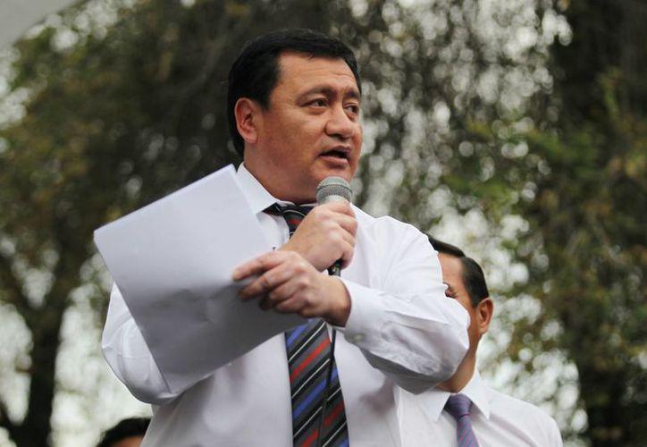 Osorio Chong aseguró que la búsqueda de los 43 normalistas continuará hasta obtener resultados concretos. (Archivo/Notimex)