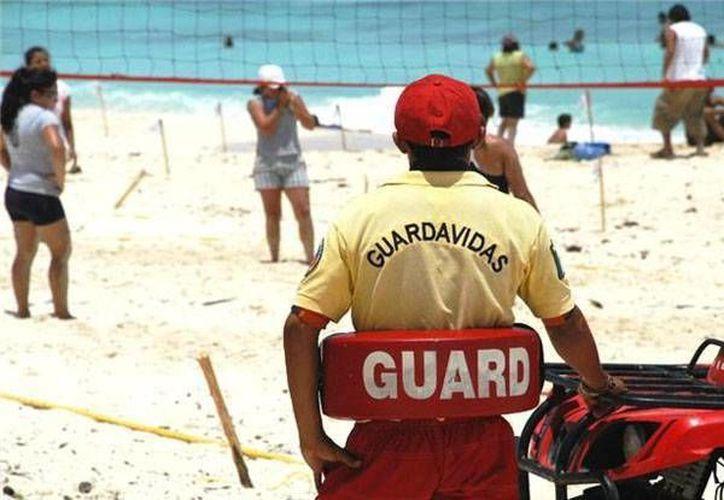 Guardavidas trabajaron 43 días para brindar apoyo a los bañistas. (Archivo/SIPSE)