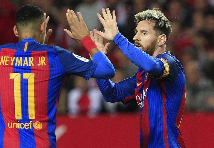 Messi metió un gol y llegó a 500 tantos con el Barcelona, el único club para el que ha jugado. (AP)