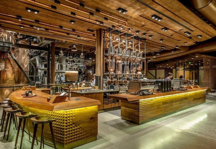 El el Reserve Bar destaca que los muebles son hechos por artesanos mexicanos con materiales locales. (El Financiero)